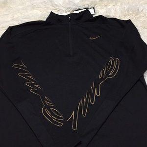 Nike Women's 1/4 zip running shirt